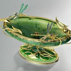 Пазл онлайн: Нефритовая шкатулка