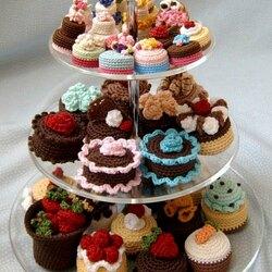 Пазл онлайн: Вязаные пирожные