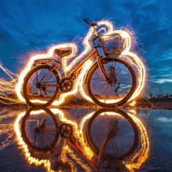 Пазл онлайн: Светящийся велосипед