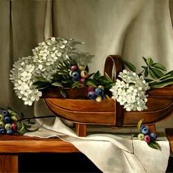 Пазл онлайн:  Натюрморт с цветами и ягодами