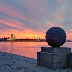 Пазл онлайн: Петропавловкая крепость в лучах заката