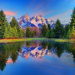 Пазл онлайн: Озеро в горах Северной Америки
