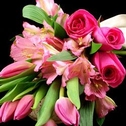 Пазл онлайн: Тюльпаны и розы