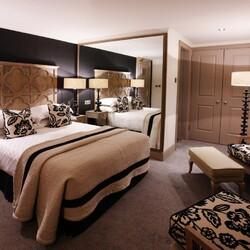 Пазл онлайн: Спальня в шоколадных тонах