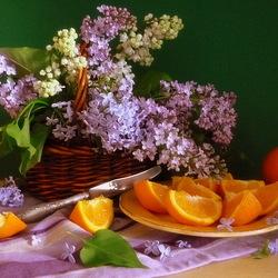 Пазл онлайн: Натюрморт с сиренью и апельсинами
