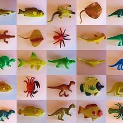 Пазл онлайн: Резиновые фигурки