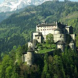Пазл онлайн: Замок Хоэнверфен. Австрия