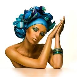 Пазл онлайн: Синий платочек