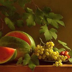 Пазл онлайн: Арбуз и виноград