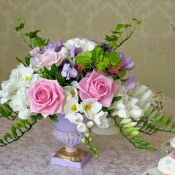 Пазл онлайн: Фарфоровые цветы