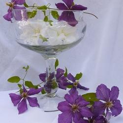 Пазл онлайн: Цветочный десерт