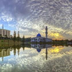 Пазл онлайн: Мечеть и университет Тенага