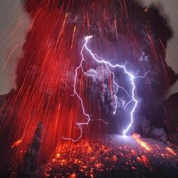 Пазл онлайн: Вулканические молнии