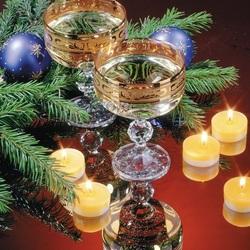 Пазл онлайн: Тепло свечей