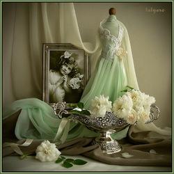 Пазл онлайн: Натюрморт с белыми розами