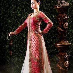 Пазл онлайн: Принцессы в индийском стиле: Мулан