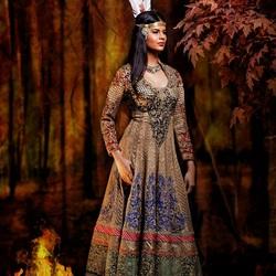 Пазл онлайн: Принцессы в индийском стиле: Покахонтас
