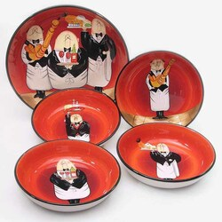 Пазл онлайн: Набор тарелок