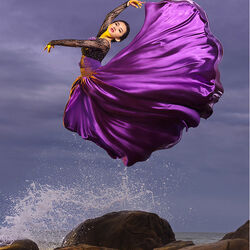 Пазл онлайн: Танцующая в воздухе