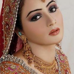 Пазл онлайн: Индийская красавица