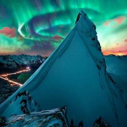 Пазл онлайн: Северное сияние в Норвегии